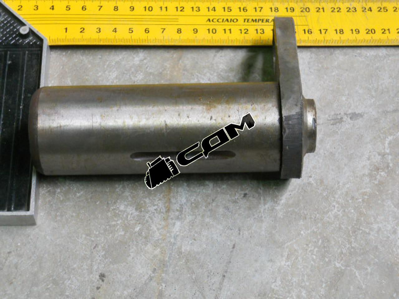 Палец цилиндра поворота передний D=50, L=133 CDM855/856  (LG50F.10015-016A) LG855.10.11